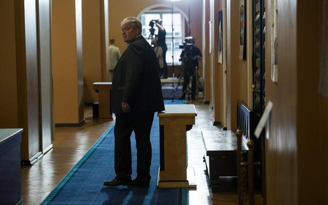 Toomas Sildam presidendivalimiste ajal riigikogus.