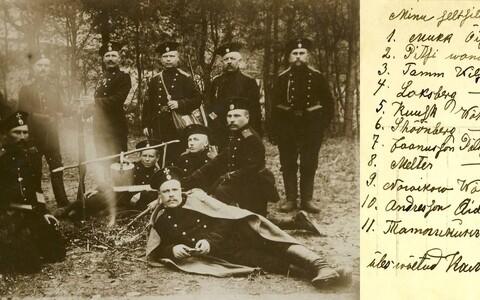 Poepidaja Willem Mukk (vasakul) Viljandimaalt Sultsist koos rindeseltsilistega Galiitsias (Lääne-Ukraina).