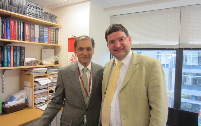 Maailma juhtiv müeloomi uurija professor Nikhil Munshi ja Tartu ülikooli hematoloogia dotsent Edward Laane.