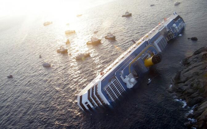 Costa Concordia 2012. aasta jaanuaris pärast õnnetust.