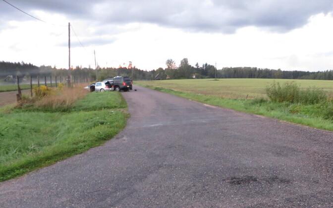 Piirivalvepatrull sundis põgeneva suitsuvedajate auto peatuma.