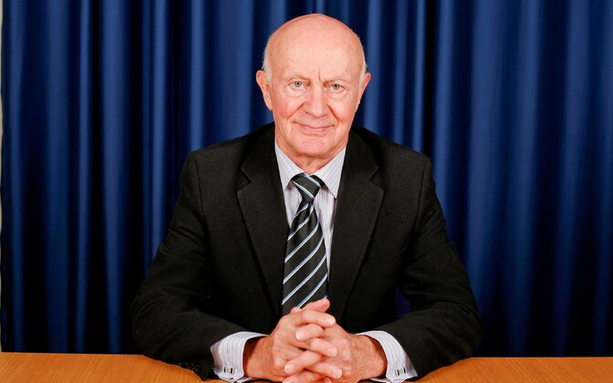 Professor Madis Habakuk.