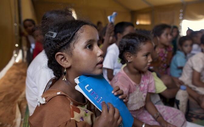 Mali pagulaslapsed Unicefi koolis Mbera pagulaslaagris.