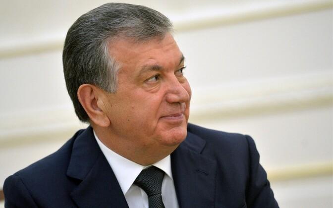 Usbekistani peaminister Šavkat Mirzijojev määrati presidendi kohusetäitjaks.