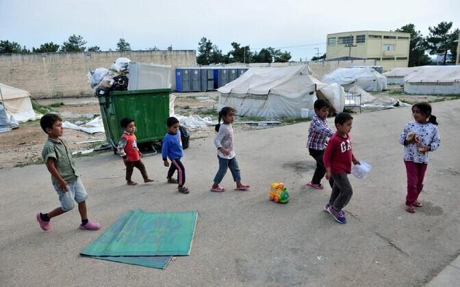 Lapspõgenikud Kreekas.
