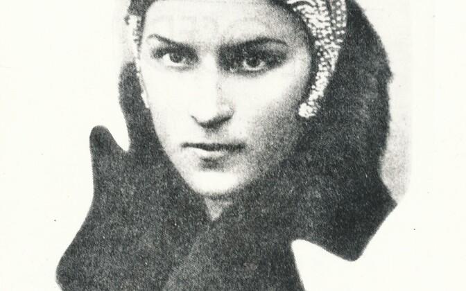 Luuletaja Betti Alver, pildistatud 1930-ndate alguses.