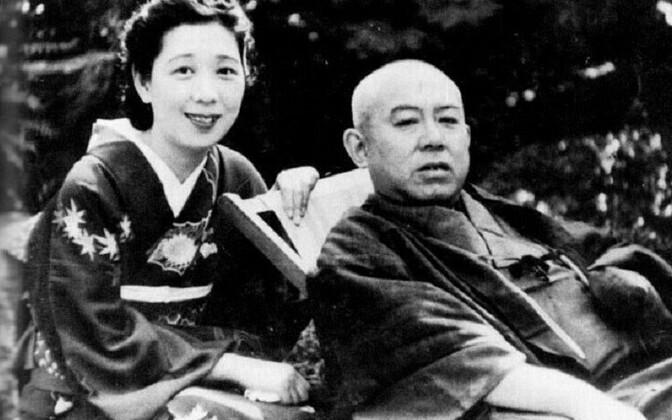 Tanizaki Junichiro abikaasa Matsukoga.