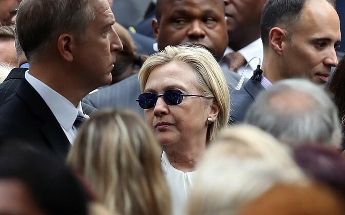 Hillary Clinton mälestusüritusel New Yorgis, kus tal tekkisid tervisehäired, mida üritati varjata.