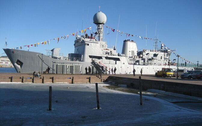 Osake Eesti merendusloost – Eesti mereväe kunagine lipulaev Admiral Pitka. Aastast 2000 mereväele kuulunud laev arvati 2013. aastal teenistusest välja ning lammutati.