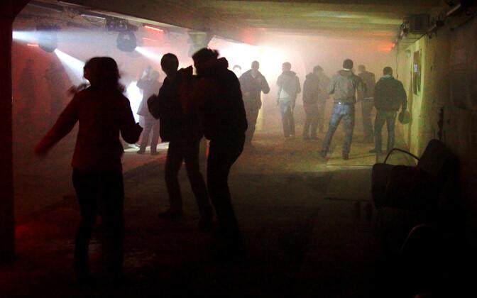Politseil on varasematel aastatel tulnud tühjades õlletehase ruumides toimunud pidusid kontrollimas käia.