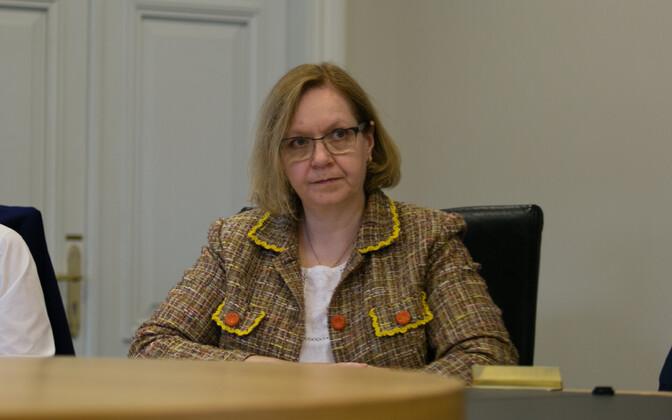 Haridusminister Maris Lauri teadus- ja arendusnõukogu koosolekul.