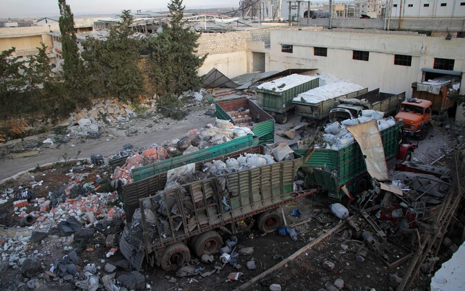 Rünnakus kannatada saanud ÜRO humanitaarabi veokid.