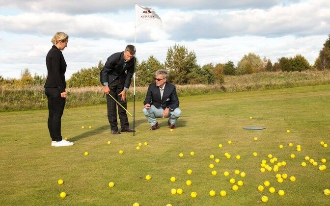 Golfipallid griinil