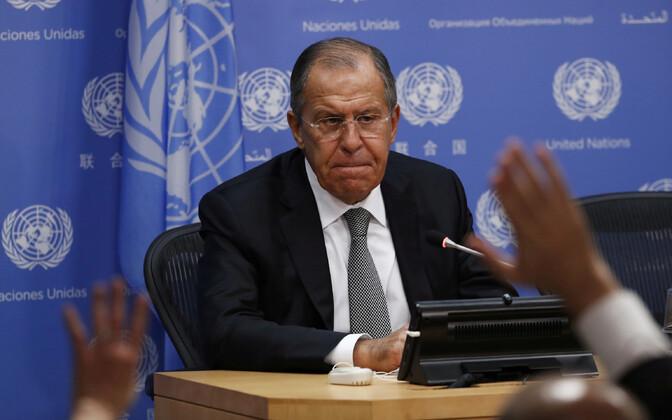 Välisminister Sergei Lavrov ÜRO-s ajakirjanike küsimustele vastamas.
