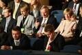 Valimiskogu liikmed ja presidendikandidaat Siim Kallas Estonia kontserdisaalis.