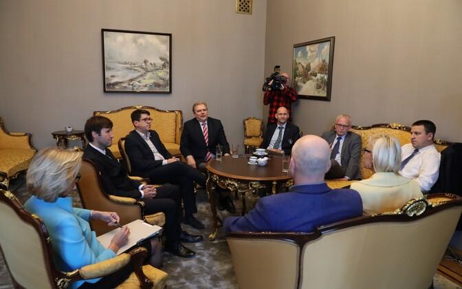Riigikogu vanematekogu koosolek presidendivalimiste ajal.