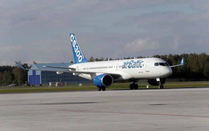 Air Balticu Bombardier CS300 27. septembril Riia lennujaamas.