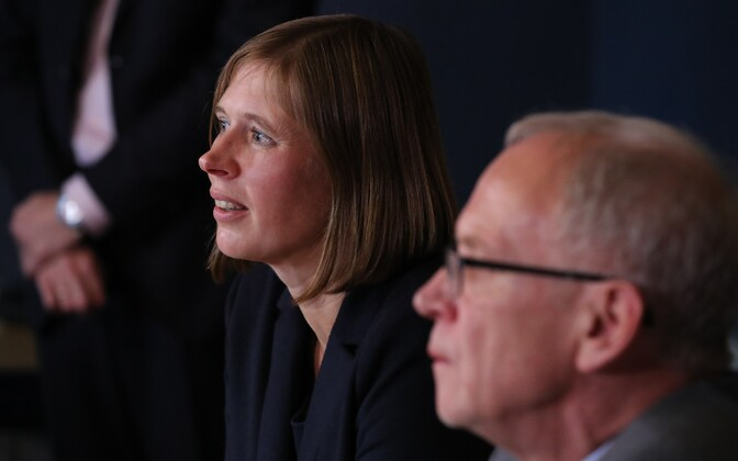Presidential candidate Kersti Kaljulaid seated next to President of the Riigikogu Eiki Nestor. Tuesday, Sept. 27, 2016.