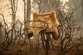 Californias jätkub kolmandat päeva maastikutulekahju kustutamine.