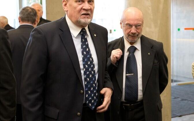 Volikogu esimees Kalev Kallo ja Toivo Tootsen.