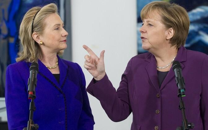 Hillary Clinton (vasakul) USA riigisekretärina 2011. aasta aprillis Angela Merkeliga Berliinis.