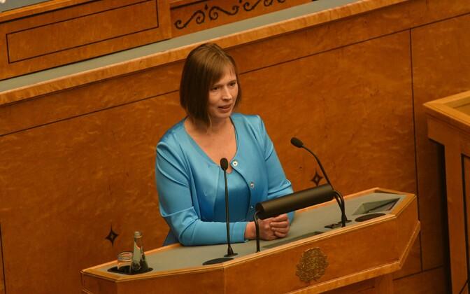 Керсти Кальюлайд благодарит депутатов Рийгикогу за поддержку.