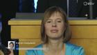 Керсти Кальюлайд следит за подсчетом голосов.