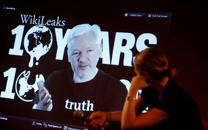 WikiLeaksi asutaja Julian Assange'i videopöördumise avalik vaatamine Berliinis.