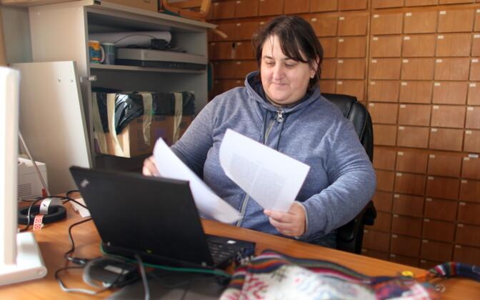 """Renata Sõukand võtab intervjuule kaasa oma hiljuti ilmunud uuringu """"Looduslike toidutaimede kasutus Saaremaal: unustamise võla kontekstis"""""""