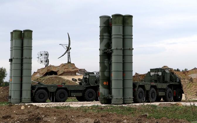 Venemaa õhutõrjesüsteem S-400 Süürias, Hmeimimi õhuväebaasis.