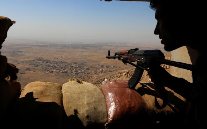 Iraagi sõdur Mosuli lähistel.