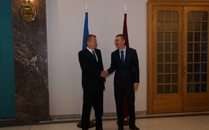 Ligi with his Latvian counterpart Edgars Rinkēvičs in Riga on Wednesday.