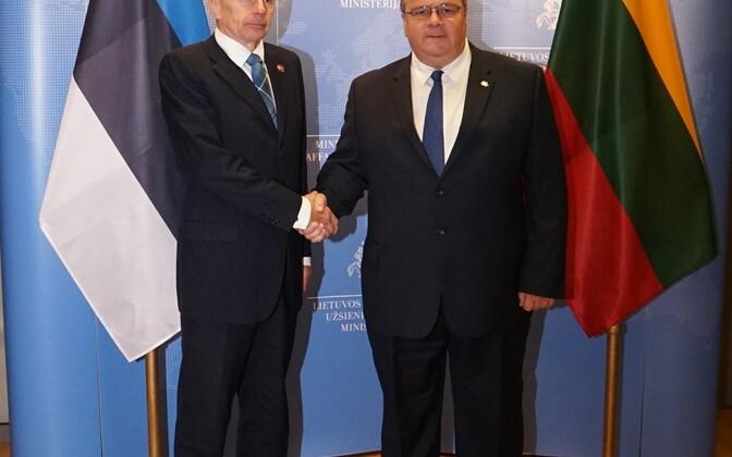 Estonian Minister of Foreign Affairs Jürgen Ligi met with Lithuanian Minister of Foreign Affairs Linas Linkevičius in Vilnius on Thursday. Oct. 6, 2016.