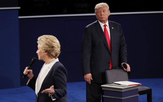 Clinton ja Trump townhall formaadis debati ajal.