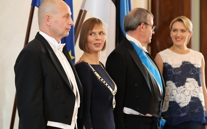 Presidents Kersti Kaljulaid and Toomas Hendrik Ilves with their spouses, Oct. 10, 2016.