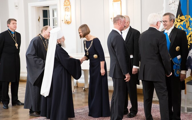 President Kersti Kaljulaid greeting Estonia's religious leaders at a reception in Kadriorg following her inauguration. Oct. 10, 2016.