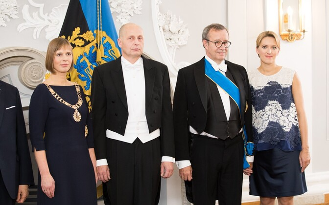 Former President Toomas Hendrik and Ieva Ilves at the reception in Kadriorg following President Kersti Kaljulaid's inauguration. Oct. 10, 2016.