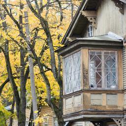 Kadriorus leidub palju miljööväärtuslikke elamuid.
