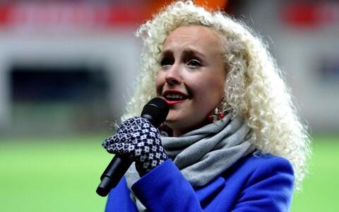 Eesti - Kreeka MM-valikmängul esitas Eesti hümni lauljanna Eeva Talsi