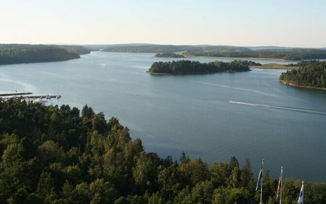 Ahvenamaa rannik Finströmi vallas.