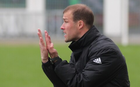 U-21 jalgpallikoondise peatreener Karel Voolaid