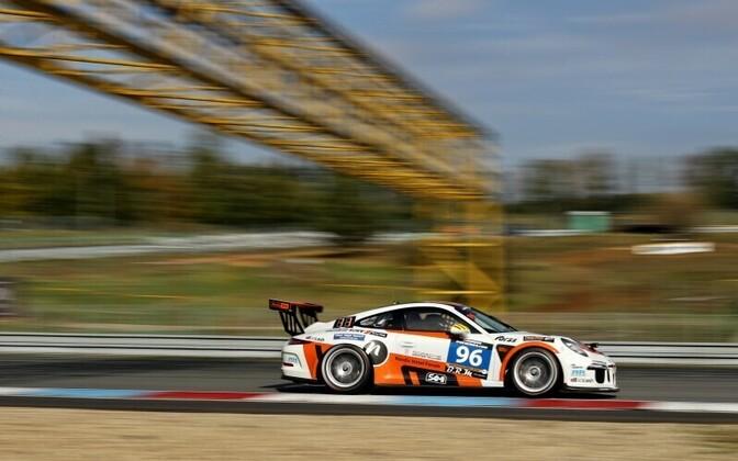EST 1 Racingu Porsche 991