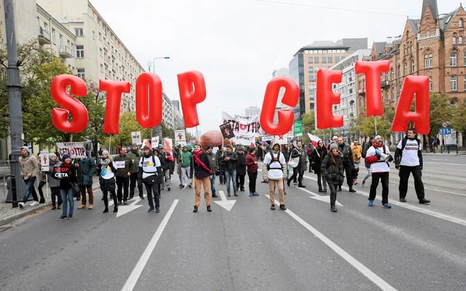 Anti-CETA protests in Warsaw, October 2016.