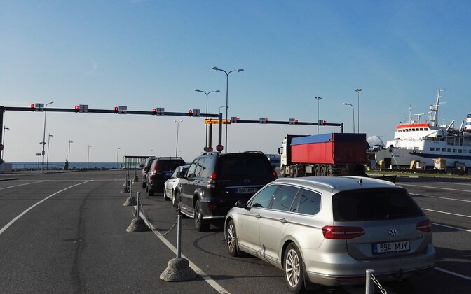 Vehicles waiting to board the ferry at the Port of Rohuküla.