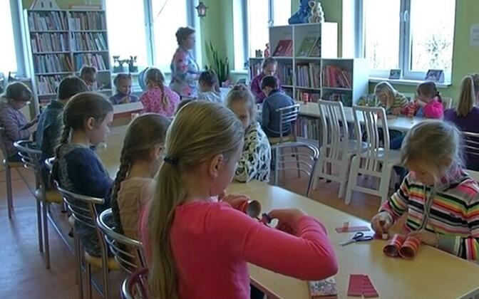 В Нарвской центральной библиотеке во время школьных каникул.