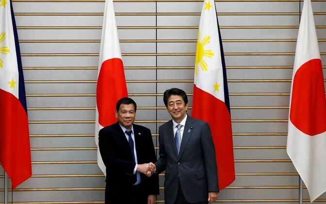 Filipiinide president Rodrigo Duterte ja Jaapani peaminister Shinzo Abe 26. oktoobril Tokyos.
