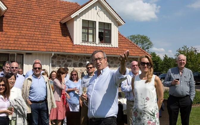 President Toomas Hendrik Ilves entertaining ambassadors to Estonia at Ärma Farm. June 20, 2016.
