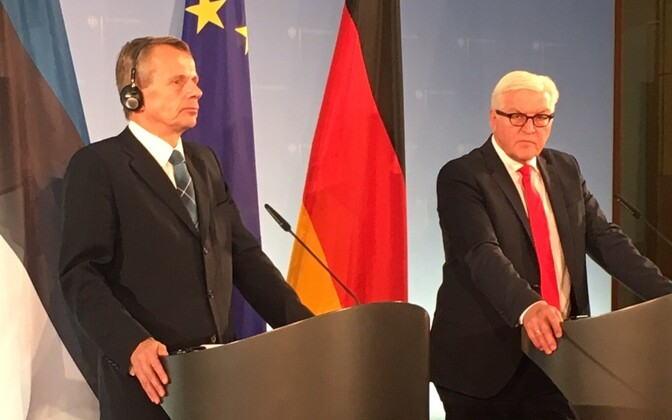 Estonian Minister of Foreign Affairs Jürgen Ligi with his German counterpart Frank-Walter Steinmeier in Berlin. Thursday, Nov. 3, 2016.