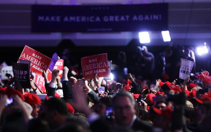 Toetajad tähistavad Trumpi võitu.