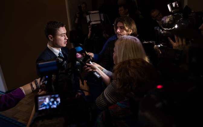 Outgoing Prime Minister Taavi Rõivas speaking to the press following the no-confidence vote against him. November 2016.